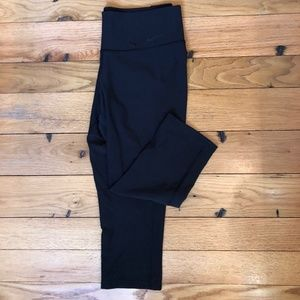 Nike DryFIT Crop Leggings